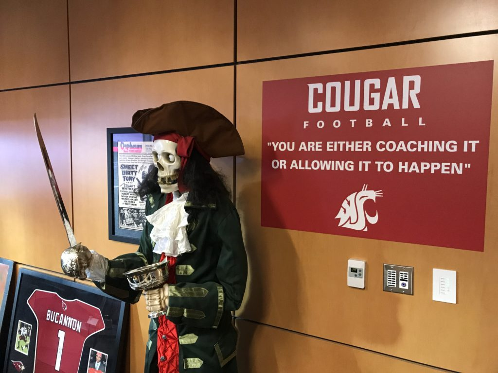 mike leach pirate statue