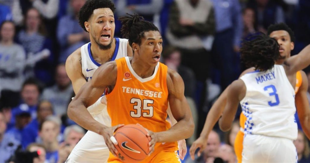 8 College Basketball Sleepers for Conference Tournaments
