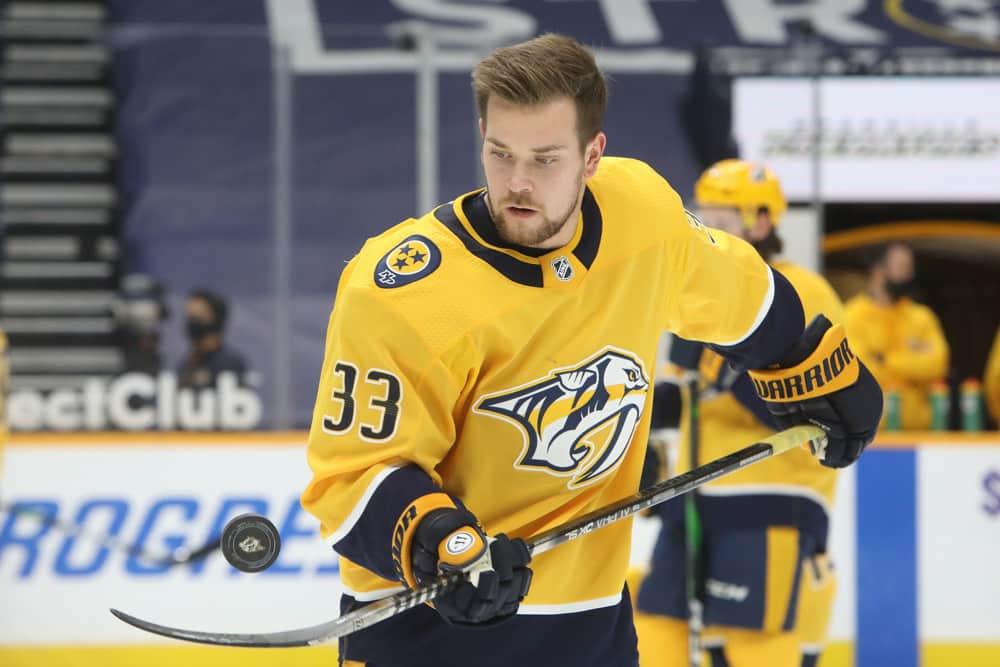 DraftKings NHL Showdown: Picks For Blackhawks-Predators & Senators-Canucks