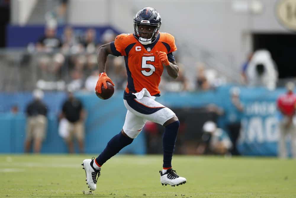 Pilihan NFL- Akankah Bucs Broncos Panthers Masih Bergulir?  Dan Sepak Bola Perguruan Tinggi |  Kamis Tiga Anjing (Ep. 78)